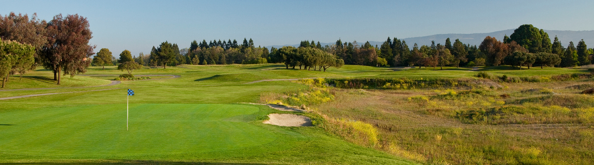 Shoreline Golf Links features a breathtaking view of the San Francisco Bay
